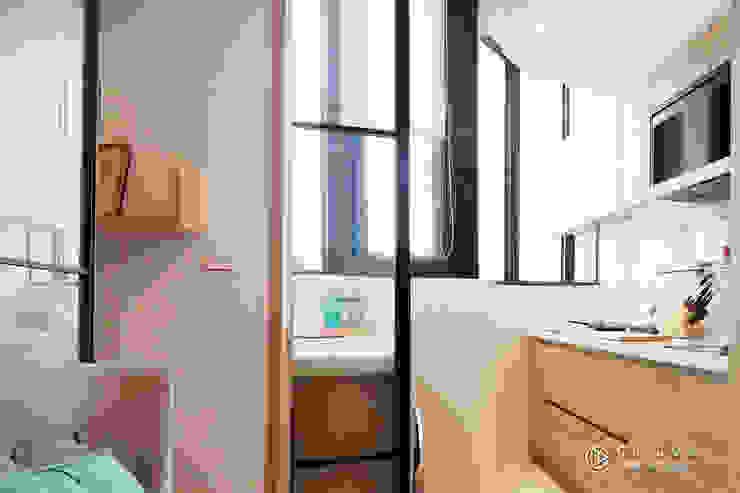 老屋翻新-住宅空間。台中【輕量機能宅】 有關創意室內設計 現代廚房設計點子、靈感&圖片