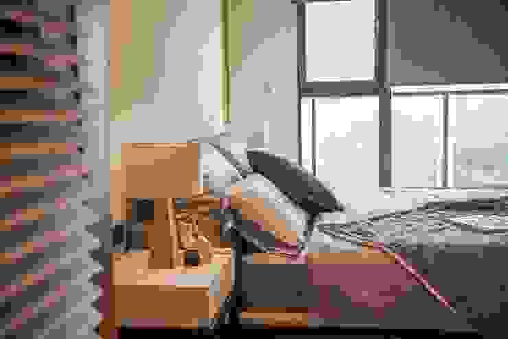 周末想賴床,卻總是被太陽公公提早曬醒,Emmi遮光捲簾可以拯救你的補眠時光! MSBT 幔室布緹 小臥室