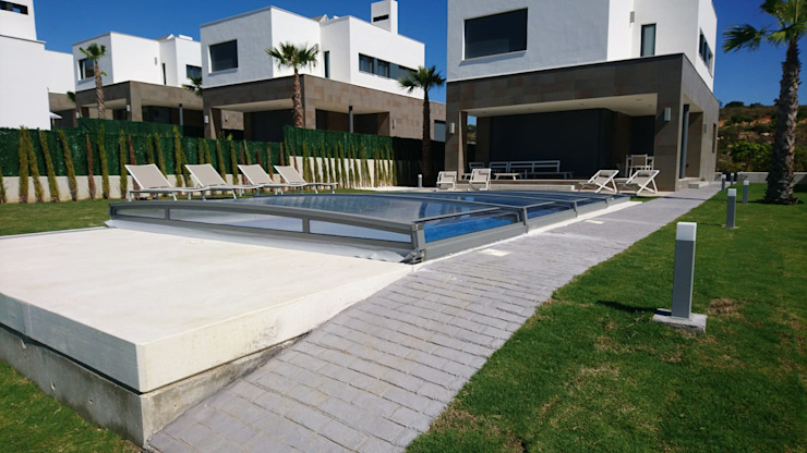 Garden Pool by AZENCO, Modern