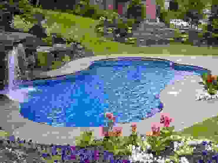 庭院泳池 by Albercas Residenciales,
