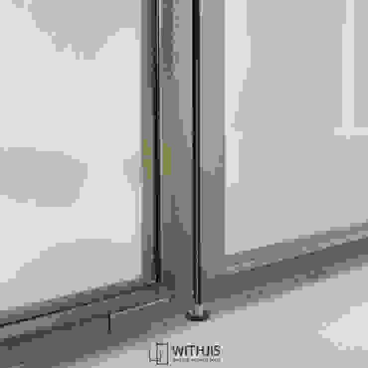 양개형 여닫이도어 하부 by WITHJIS(위드지스) 모던 알루미늄 / 아연