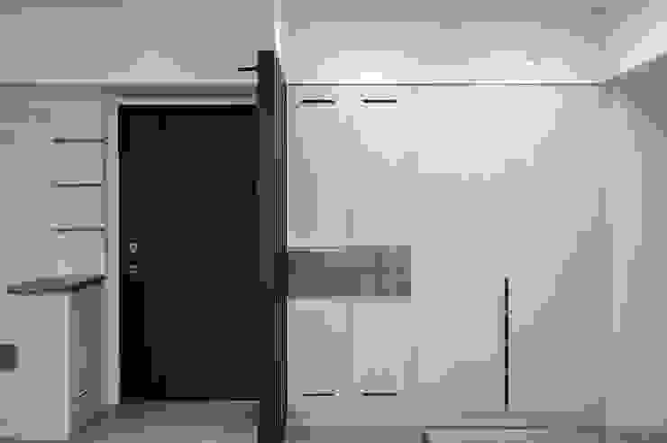 給老建築新生命的改造工程 斯堪的納維亞風格的走廊,走廊和樓梯 根據 富亞室內裝修設計工程有限公司 北歐風 MDF
