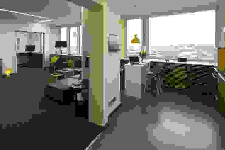 LOFTCHARAKTER _WERKSTATT FÜR UNBESCHAFFBARES - Innenarchitektur aus Berlin Moderne Bürogebäude