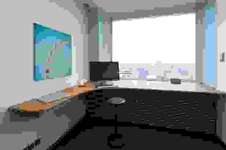 ARBEITSPLATZ MIT WEITBLICK _WERKSTATT FÜR UNBESCHAFFBARES - Innenarchitektur aus Berlin Moderne Bürogebäude