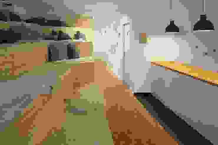 PRÄSENTATION Skandinavische Bürogebäude von _WERKSTATT FÜR UNBESCHAFFBARES - Innenarchitektur aus Berlin Skandinavisch