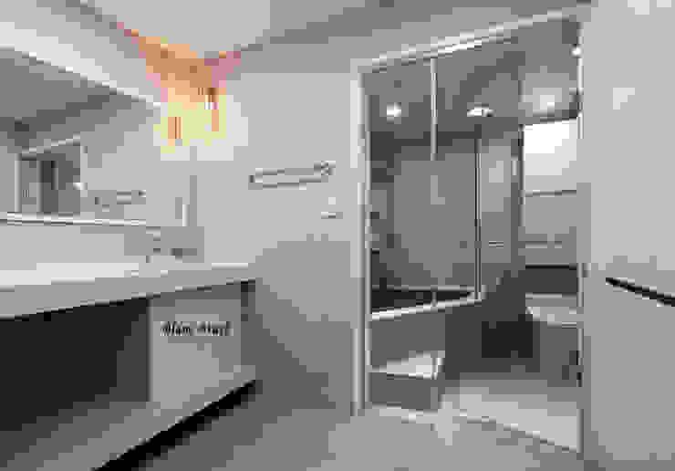Modern style bathrooms by 블랑브러쉬 Modern