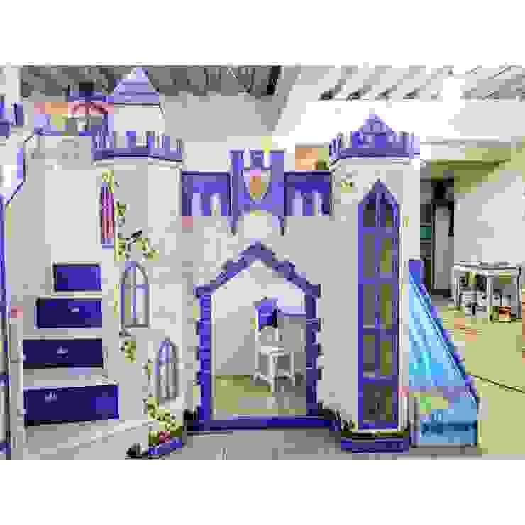 Hermoso castillo con cascada de camas y literas infantiles kids world Clásico Derivados de madera Transparente