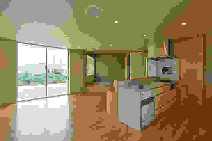 Modern Dining Room by プラソ建築設計事務所 Modern