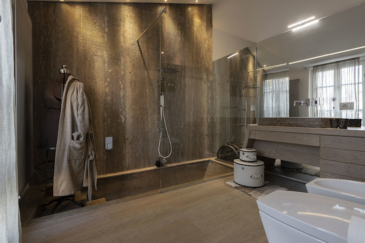 Industrial style bathroom by GIAN MARCO CANNAVICCI ARCHITETTO Industrial