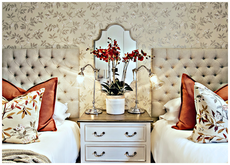 Pop of red Classic style bedroom by Joseph Avnon Interiors Classic