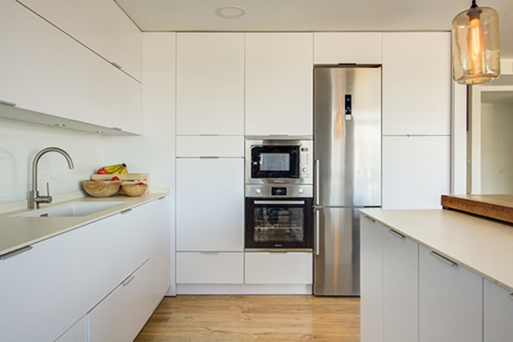 Built-in kitchens by Decorando tu espacio - interiorismo en Madrid., Modern