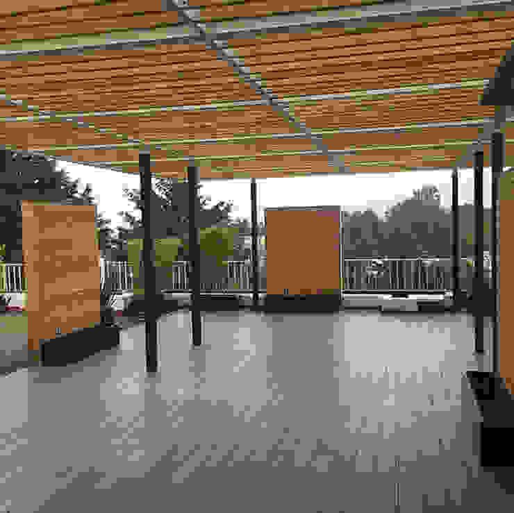 Innes Aire Balcones y terrazas modernos de BODIN BODIN ARQUITECTOS Moderno