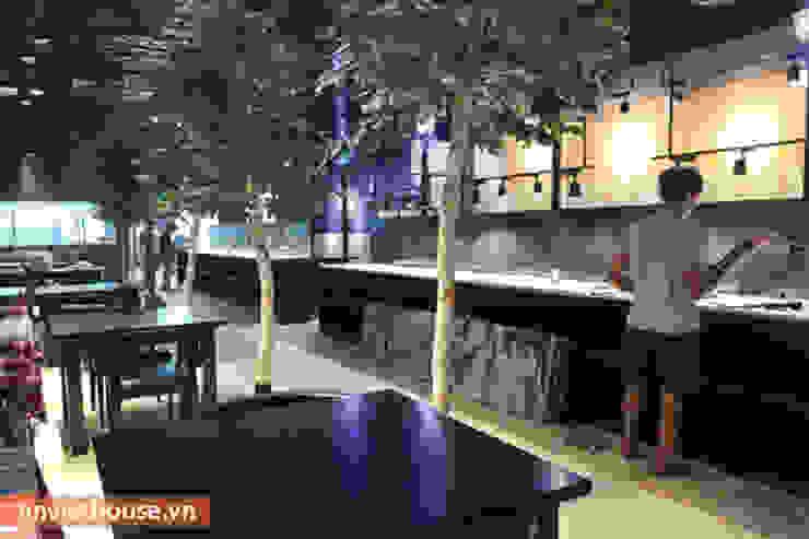 Thi công nội thất nhà hàng Hàn Quốc tại Big C Thăng Long: hiện đại  by An Viet Trading and Interior Service Joint Stock Company, Hiện đại Giả da Metallic/Silver