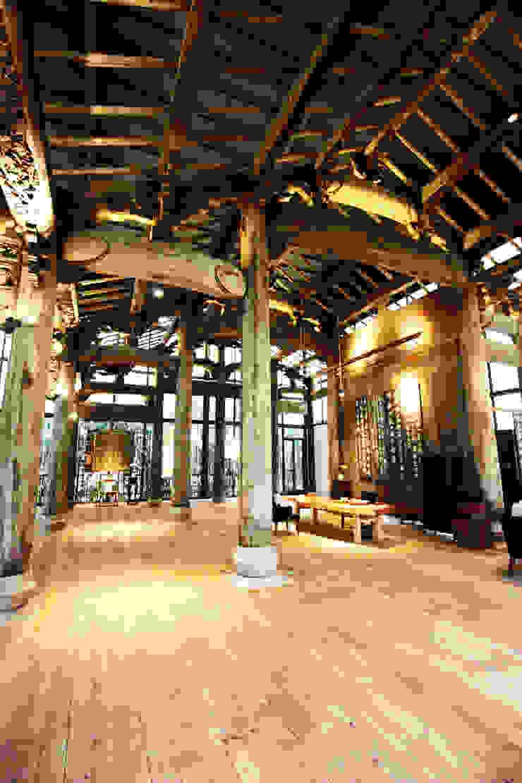 古厝建築高度至屋頂脊背處高達7米 by 台中室內建築師|利程室內外裝飾 LICHENG Asian