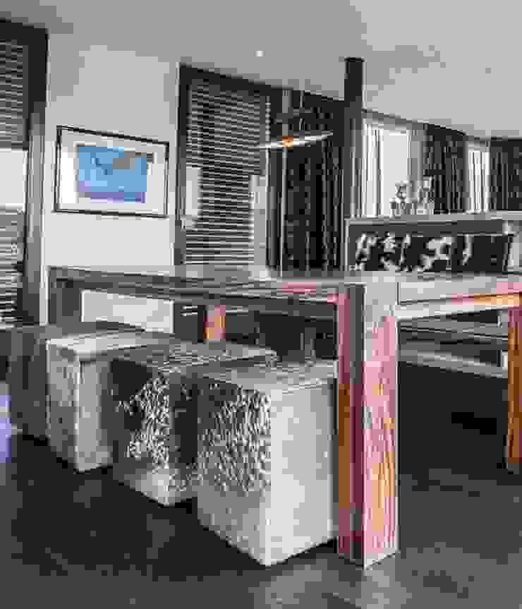 Modern dining room by zon Eichen - Handwerk und Interior Modern