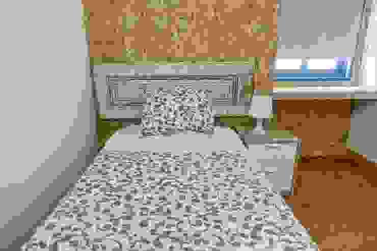 Casa de Férias, Seixal LACd'A HOME - Arquitectura e Interiores Quartos pequenos