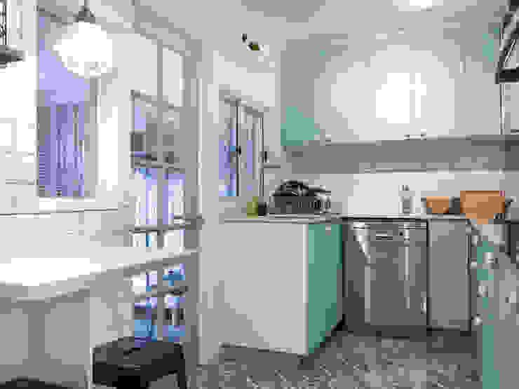 Cocinas pequeñas de estilo  de Estudio Arquitectura y construccion PR/ Arquitectura, Construccion y Diseño de interiores / Santiago, Rancagua y Viña del mar, Clásico