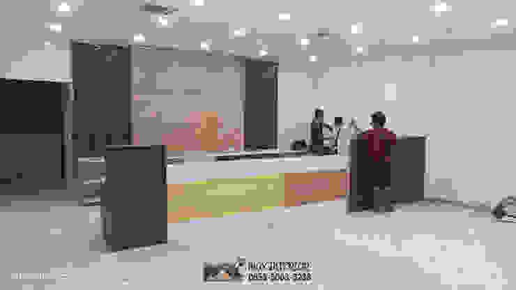 INTERIOR PEKANBARU – RIWAY OFFICE:modern  oleh MAX INTERIOR PEKANBARU, Modern