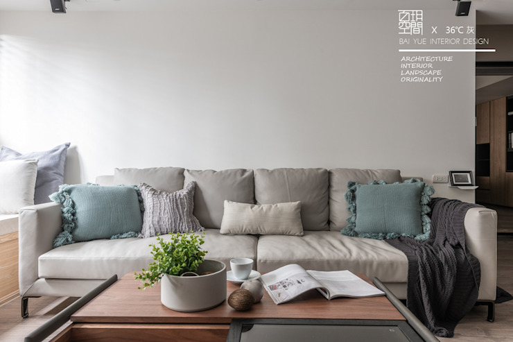 百玥空間設計 ─ 36℃ 灰 现代客厅設計點子、靈感 & 圖片 根據 百玥空間設計 現代風 水泥