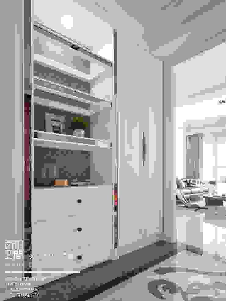 百玥空間設計 ─ 第凡內早餐 Breakfast at Tiffany's 百玥空間設計 經典風格的走廊,走廊和樓梯 實木 White
