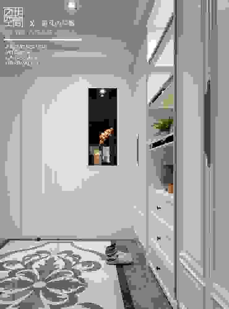 百玥空間設計 ─ 第凡內早餐 Breakfast at Tiffany's 百玥空間設計 經典風格的走廊,走廊和樓梯 大理石 White