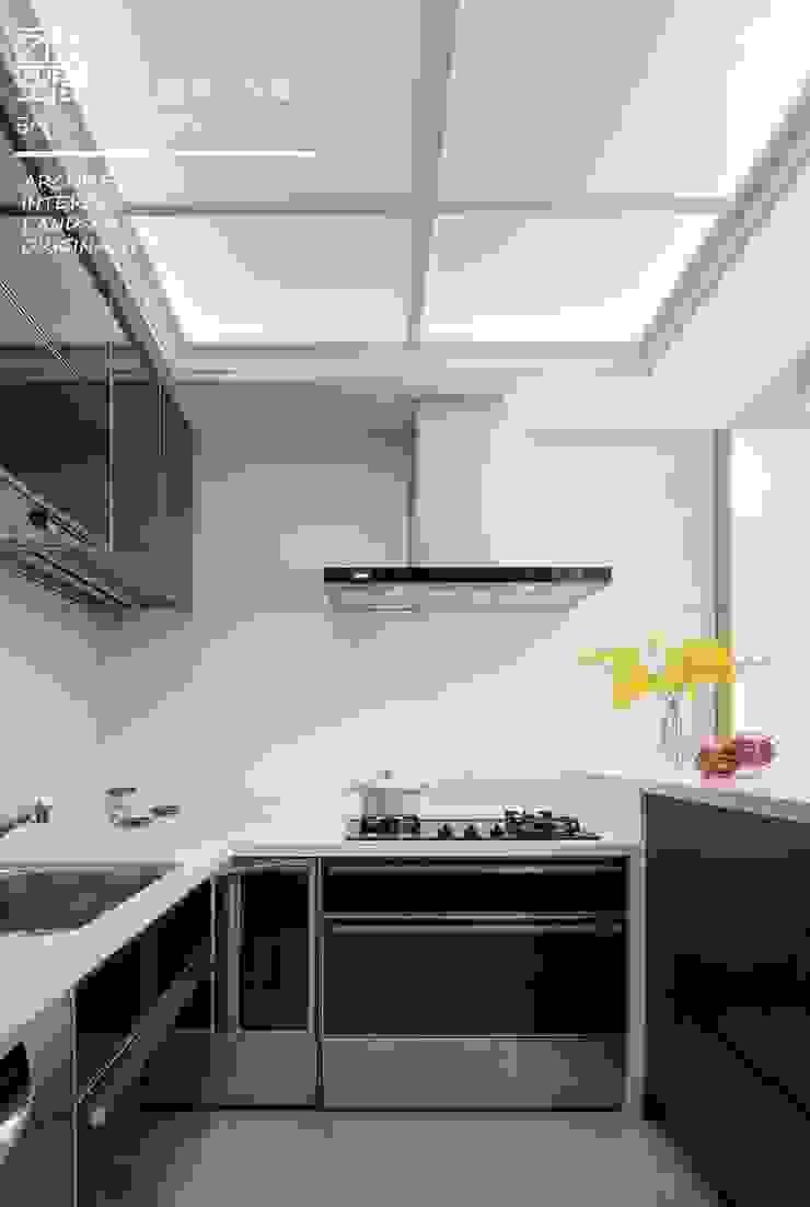 百玥空間設計 ─ 第凡內早餐 Breakfast at Tiffany's 百玥空間設計 系統廚具 玻璃 Red