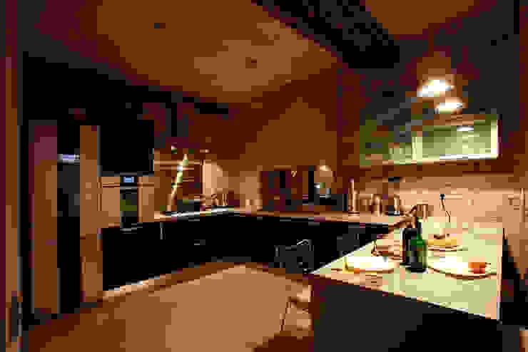 インダストリアルデザインの キッチン の Irina Yakushina インダストリアル
