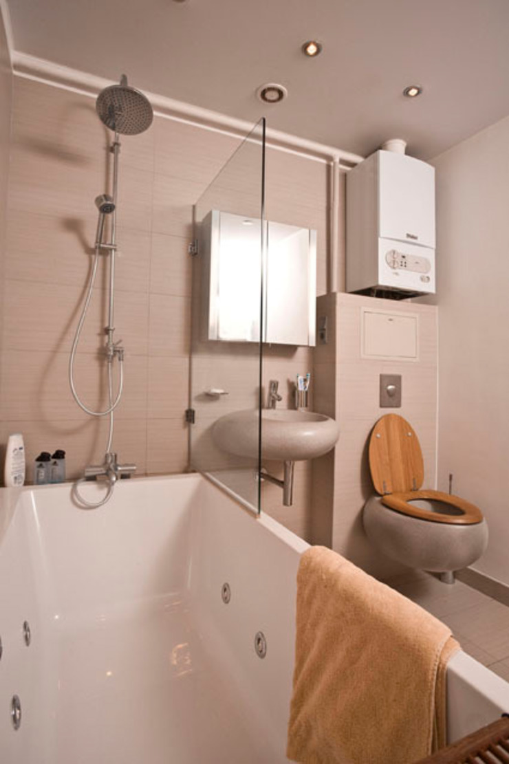 Salle de bain industrielle par Irina Yakushina Industriel