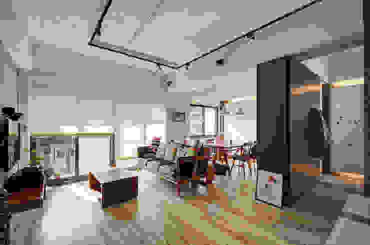 自由穿梭 別有洞天 根據 邑舍室內裝修設計工程有限公司 日式風、東方風