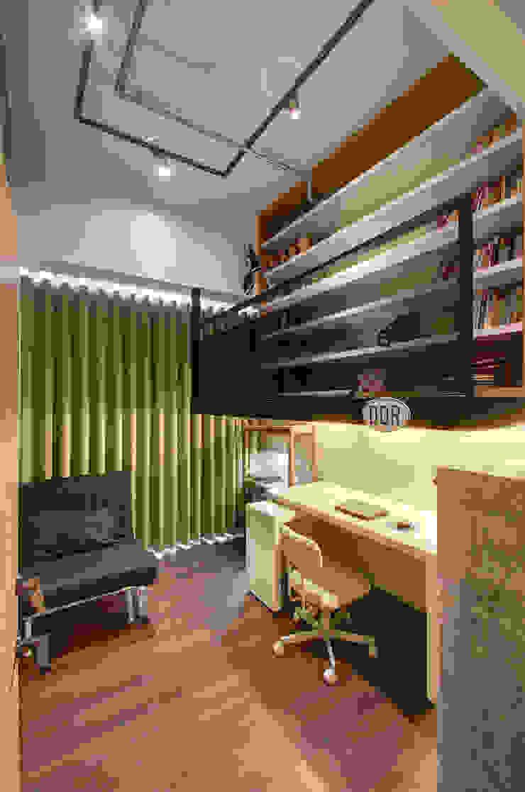 趣味空間 邑舍室內裝修設計工程有限公司 書房/辦公室