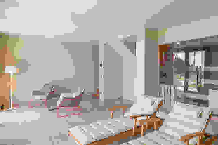 Altro dettaglio zona relax / SPA: Spa in stile  di Soffici e Galgani Architetti, Minimalista