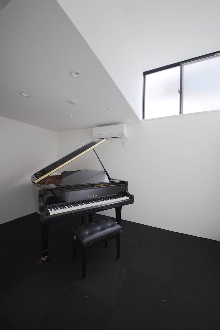 Ruang Studi/Kantor Minimalis Oleh 石川淳建築設計事務所 Minimalis
