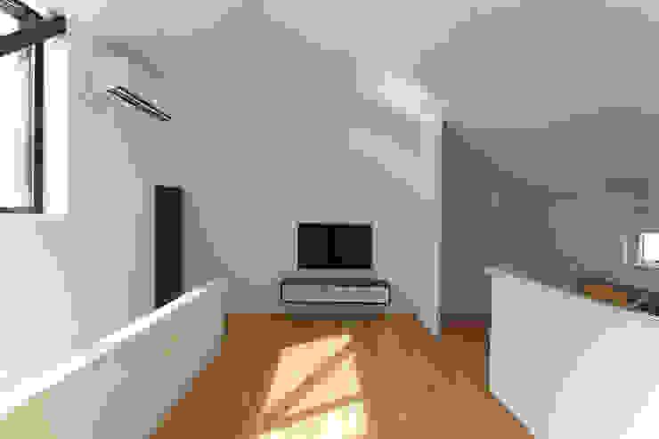 Ruang Keluarga Minimalis Oleh 石川淳建築設計事務所 Minimalis