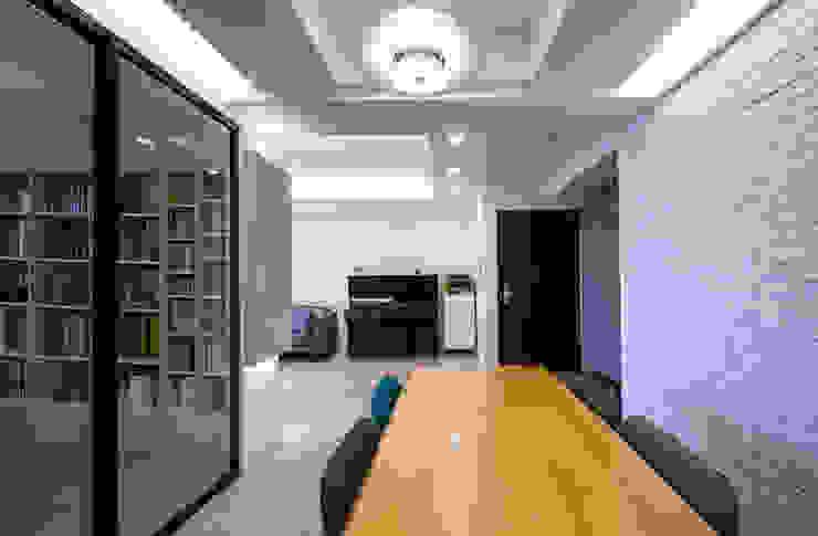 北歐生活-悅河觀景 富亞室內裝修設計工程有限公司 餐廳 實木 Wood effect