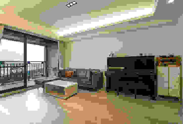 北歐生活-悅河觀景 富亞室內裝修設計工程有限公司 客廳 複合木地板 Wood effect