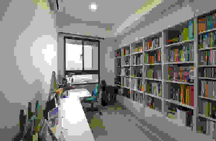 北歐生活-悅河觀景 富亞室內裝修設計工程有限公司 書房/辦公室 MDF Beige