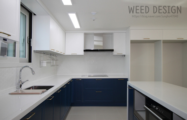 Modern Kitchen by 윈디자인 Modern