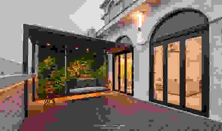 Terrace co_LAB Design Studio Modern Terrace