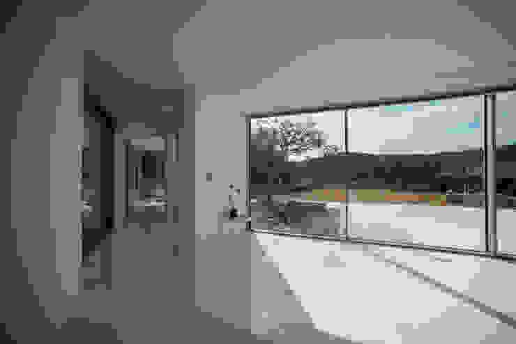 Modern Living Room by ARCHIRIE Modern