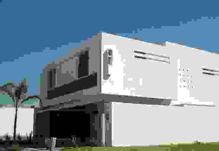 Taller A3 SC Rumah tinggal Kayu White