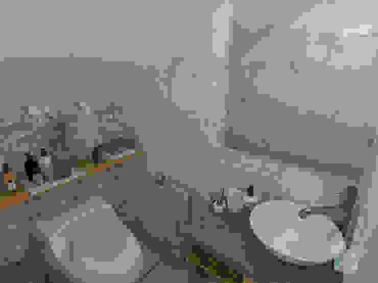 Salle de bain moderne par LS Arquitectura, diseño y acústica Moderne Céramique