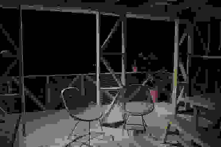 CASA MALLARAUCO - diseño y construcción - Mallarauco / Melipilla / Santiago ALIWEN arquitectura & construcción sustentable - Santiago Balcones y terrazas modernos