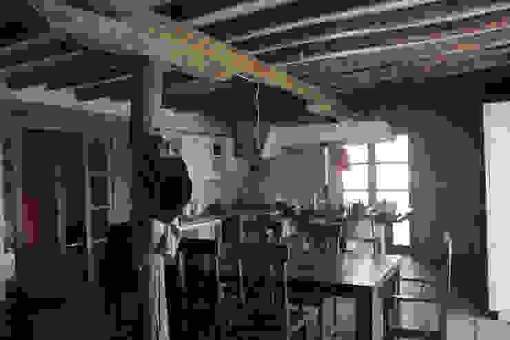 Cocinas de estilo colonial de ALIWEN arquitectura & construcción sustentable - Santiago Colonial