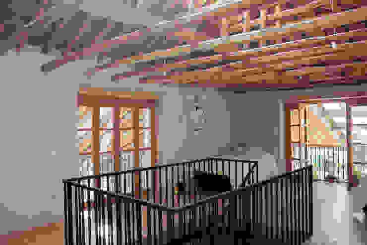 Cuartos de estilo colonial de ALIWEN arquitectura & construcción sustentable - Santiago Colonial