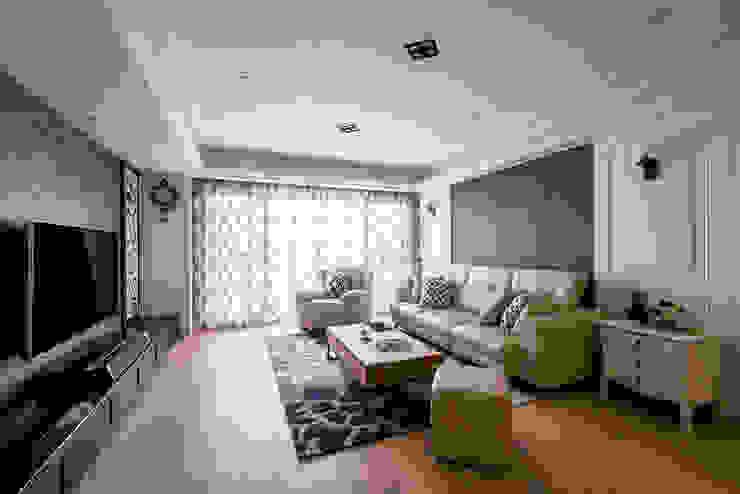 典雅鄉村-霞公錧 根據 富亞室內裝修設計工程有限公司 鄉村風 複合木地板 Transparent