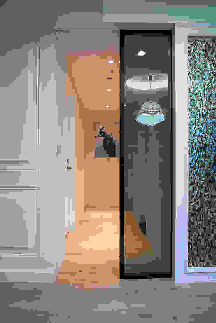 典雅鄉村-霞公錧 乡村风格的走廊,走廊和楼梯 根據 富亞室內裝修設計工程有限公司 鄉村風 合板