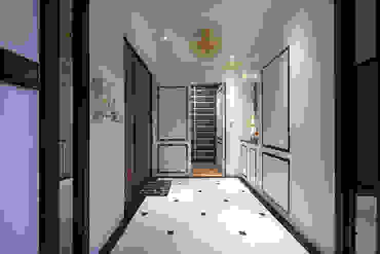 典雅鄉村-霞公錧 現代風玄關、走廊與階梯 根據 富亞室內裝修設計工程有限公司 現代風 大理石