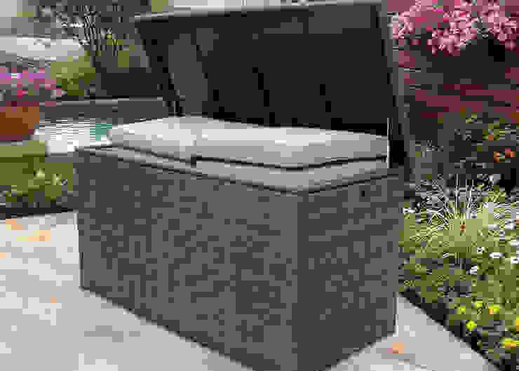 mobiliário de arrumos para outdoor por CRISTINA AFONSO, Design de Interiores, uNIP. Lda Moderno
