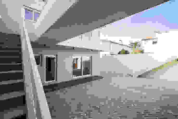 Fachada - T3 em Leça da Palmeira - SHI Studio Interior Design ShiStudio Interior Design Moradias