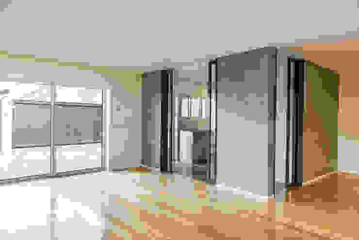 Sala | Cozinha - T3 em Leça da Palmeira - SHI Studio Interior Design ShiStudio Interior Design Cozinhas embutidas